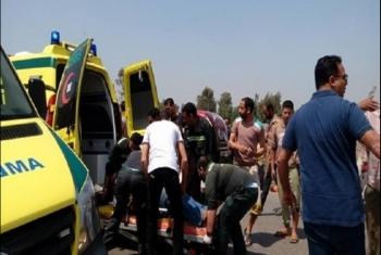 إصابة 13 من عمال اليومية بحادث انقلاب سيارة ربع نقل في نزلة العاشر