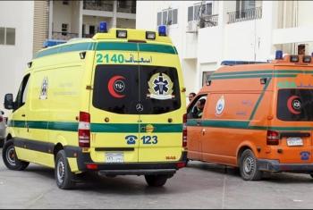 إصابة 9 عمال في انقلاب سيارة بطريق