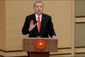 أردوغان يستمع إلى الأذان في مدينة غرناطة.. ومسؤول تركي: نأمل ألا ينقطع هذا الصوت