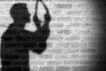 لمروره بضائقة.. انتحار زوج شنقا في قرية بني عامر بالزقازيق