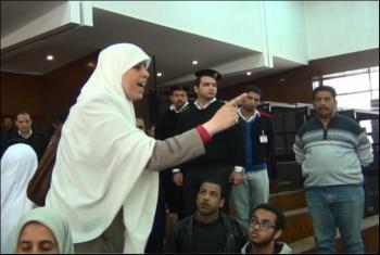 أمن الدولة تجدد حبس عائشة الشاطر وآخرين 15 يومًا