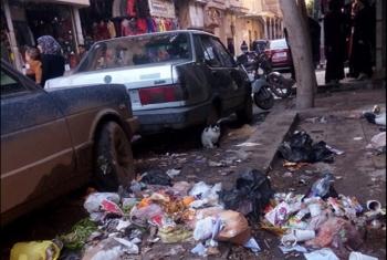تراكم أكوام القمامة أمام مسجد أبو توبه بقرية إكياد