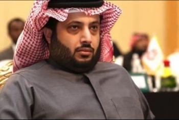 تركي آل الشيخ يعلن مقاضاة 65 ناشطا بدعوى إهانته