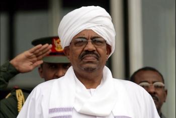 السودان يقرر تسليم البشير وعدد من مساعديه إلى الجنائية الدولية