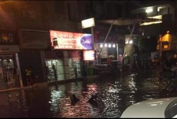 بالفيديو.. منزل في قرية المحمودية يغرق في مياه المجاري