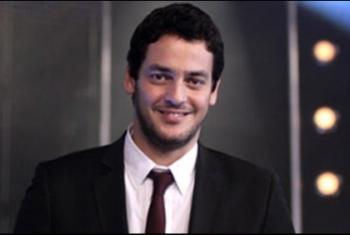 فنان مصري يهاجم نظام العسكر ويصف