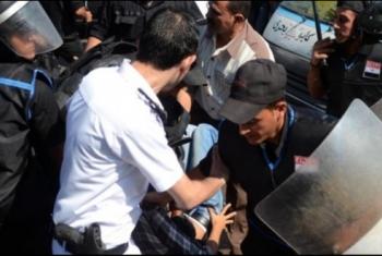 منظمة حقوقية تستنكر تصاعد الانتهاكات بحق المصريين