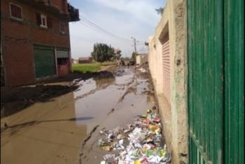 كارثة.. مياه المجاري تحاصر منطقة سوق الشركة بأبوكبير
