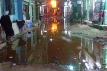 قرية الحبش تغرق في مياه الصرف.. والمسئولون غياب!!