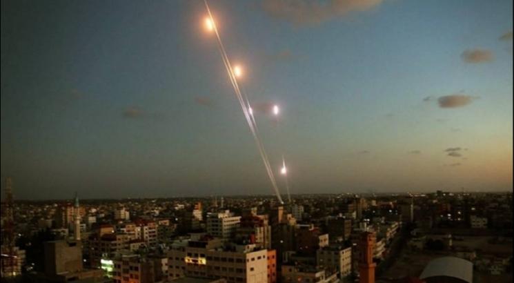 الهلع يصيب المستوطنات بعد إطلاق 5 صواريخ من غزة