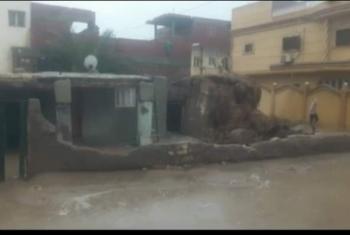 مواطن من منيا القمح يستغيث خشية سقوط منزله بسبب الأمطار