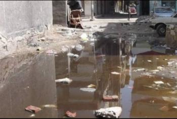 أهالي قرية السعديين ينذرون بكارثة بسبب طفح المجاري