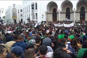 المعارضة الجزائرية تبحث خارطة طريق ردًّا على خطة بوتفليقة