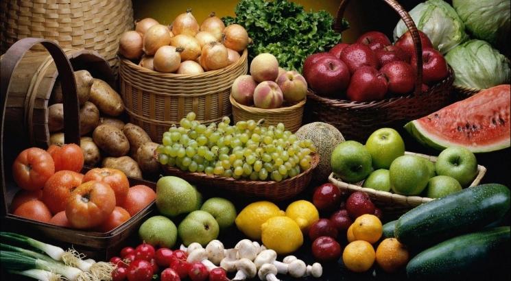 دراسة: تناول الخضراوات والفواكه يقي من سرطان الثدي