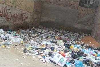 الزقازيق|  سكان منطقة الحناوي يستغيثون بسبب انتشار تلال القمامة