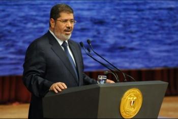 أسرة الرئيس مرسي تعزي الكاتب