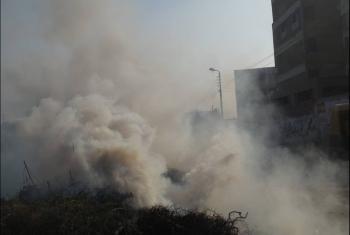سحابة من الدخان.. شكوى من حرق القمامة بـ