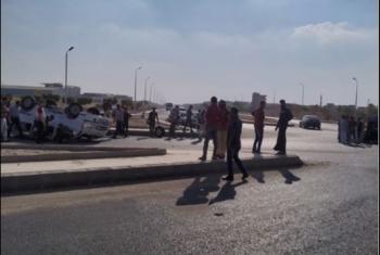 إصابة 10 أشخاص في حادث تصادم على طريق