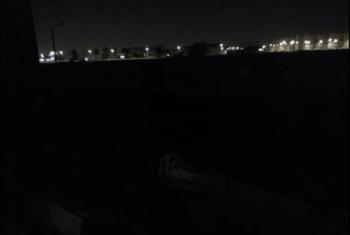 الظلام الدامس يكسو طريق قرية