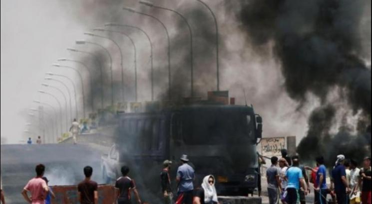 العراق| عشرات الإصابات في صفوف المتظاهرين الرافضين للفساد