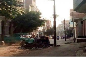 بالصور.. أعمدة الإنارة في شوارع القرين تثير غضب المواطنين
