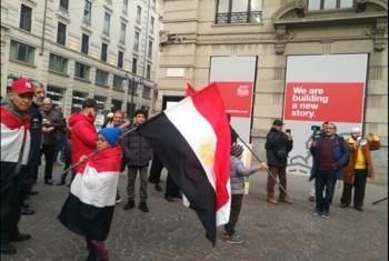 تزامنا مع ذكرى ثورة يناير.. مظاهرات في ميلانو الإيطالية تنادي بسقوط حكم العسكر (صور)