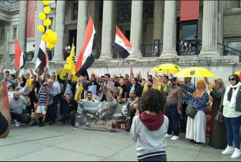 صور| وقفة في لندن للمطالبة بمحاسبة مرتكبي مذبحة رابعة والنهضة