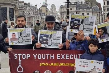 بالصور.. الجالية المصرية ببريطانيا ينددون بجرائم الإعدامات ضد الأبرياء