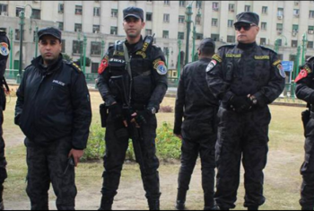 برلمان الانقلاب يقتطع من رواتب الموظفين لصالح الجيش والشرطة