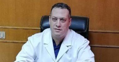 خروج مدير مستشفى ديرب نجم من مشتشفى عزل فاقوس بعد تعافيه من كورونا