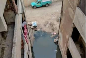 بالصور.. قرية سماكين الغرب تغرق بالصرف الصحي وسط تجاهل تام من المسئولين