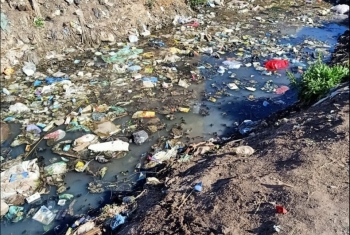 الأمراض الخطيرة تهدد سكان قرية تليجة بسبب تلوث ترعة