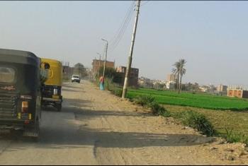بالصور.. غضب بين أهالي قرية العراقي بسبب الأعمدة المتهالكة