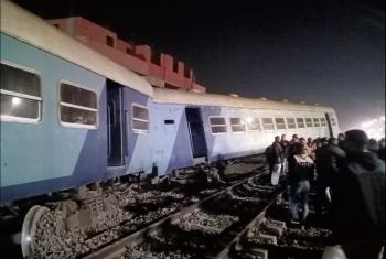 الصحة: إصابة 15 شخصًا في حادث خروج قطار عن القضبان بمنيا القمح