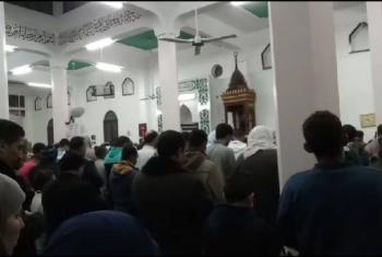 بالصور.. بالزغاريد وزفوا الشهيد الآلاف يشيعون جثمان الشهيد أبو بكر السيد