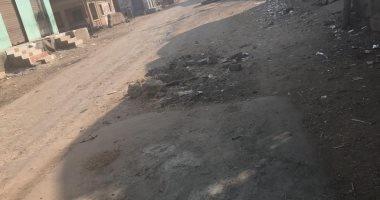 أهالي كفر صقر يشتكون من تأخر رصف طريق المنشية الجديدة