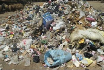 تراخي المسئولين يكثف القمامة في