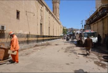 بالصور.. فض سوق الأحد في ديرب نجم ضمن مواجهة فيروس كورونا
