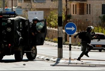 استشهاد فلسطيني واعتداءات واعتقالات صهيونية بالضفة