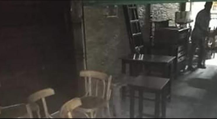 مقهى مخالفة لإجراءات الغلق تغضب أهالي شارع الشهيد طيار بالزقازيق