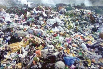 تصاعد غضب أهالي العزيزية بمنياالقمح بسبب انتشار القمامة بالشوارع