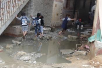 بالصور.. قرية بني حسن بأولاد صقر تغرق في برك الصرف الصحي