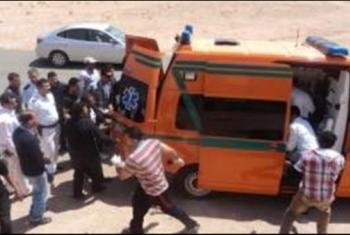 إصابة 3 أشخاص إثر تصادم سيارة بعمود في أبوحماد