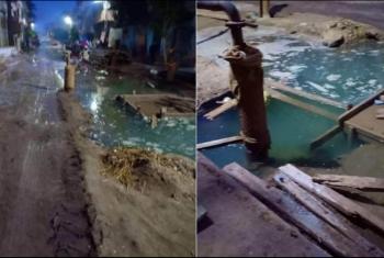 كسر خط مياه ليلا يغرق منازل قرية