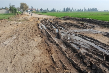 صور| طرق ثلاث قرى بالحسينية