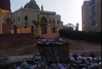 تراكم القمامة في حي