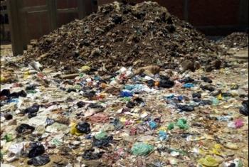 بالصور.. القمامة تغزو حي السلخانة ببليس وسط تجاهل المسئولين