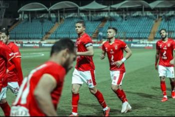 الأهلي يتأهل لثمن النهائي بثنائية في النصر