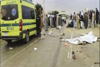 شاهد.. مصرع 4 أشخاص على الأقل في حادث مروع أمام قرية العباسة بأبوحماد