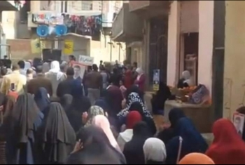أهالي قرية الرئيس مرسي يؤدون صلاة الغائب على شهداء هزلية النائب العام